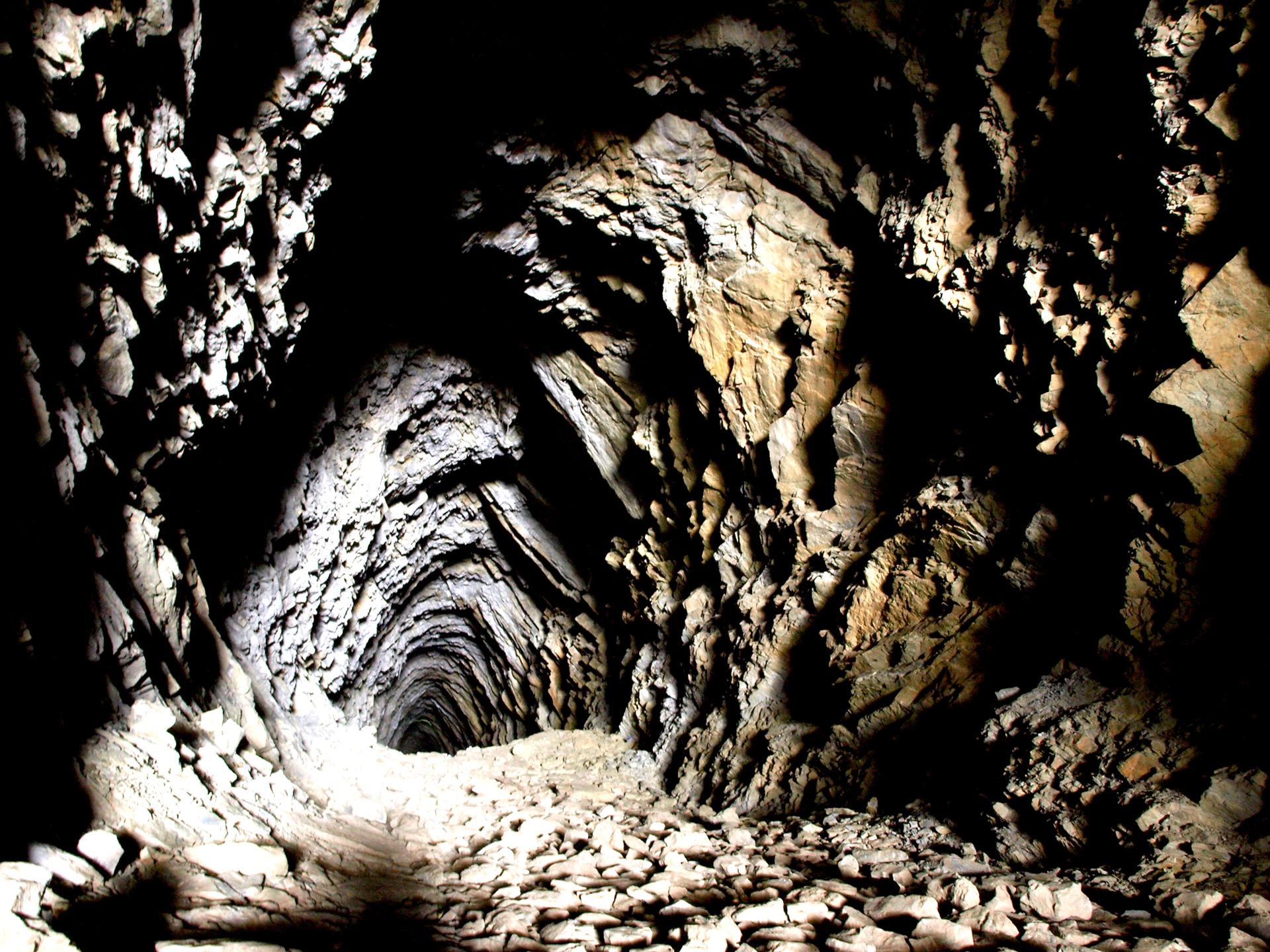 Tunel din Cheile Tisiței